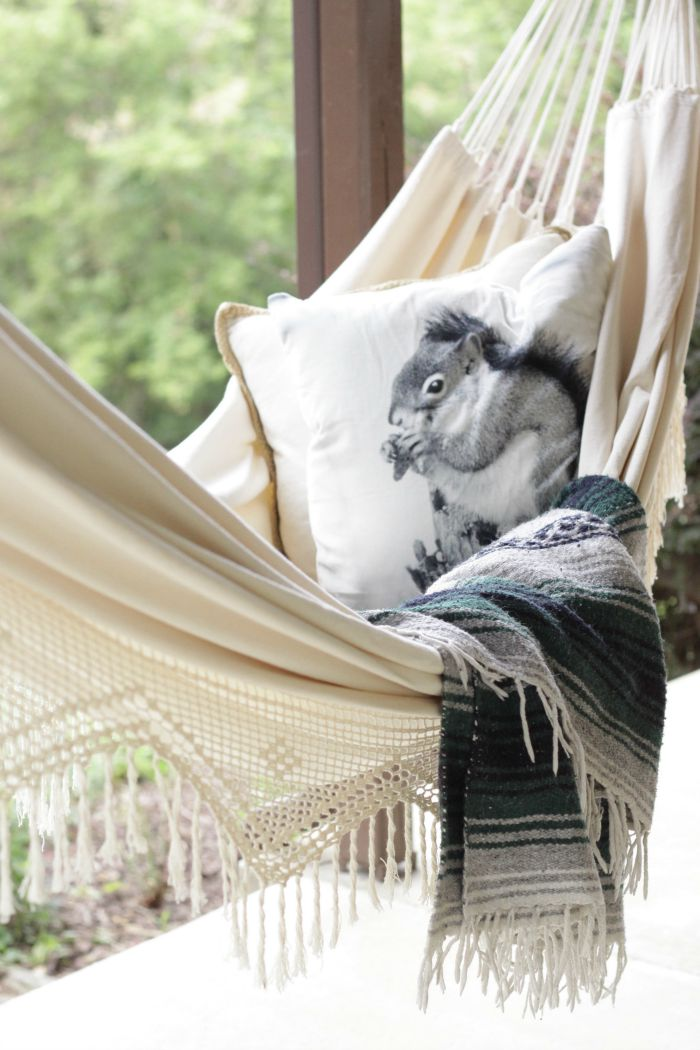 How cute is this cozy hammock with squirrel pillow - perfect for chilly fall nights kellyelko.com