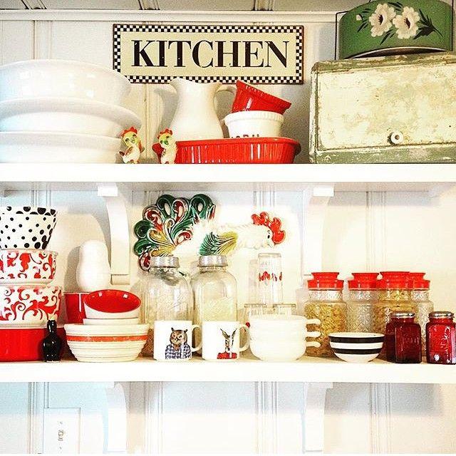 Retro kitchen display kellyelko.com