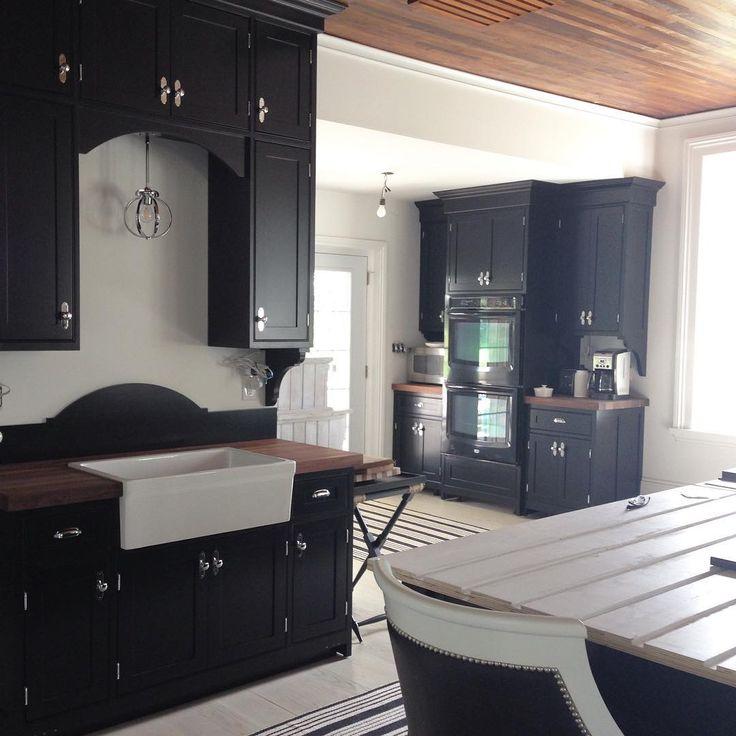 Black kitchen cabinets! kellyelko.com