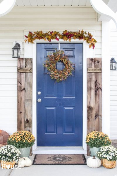 Beautiful fall porch eclecticallyvintage.com