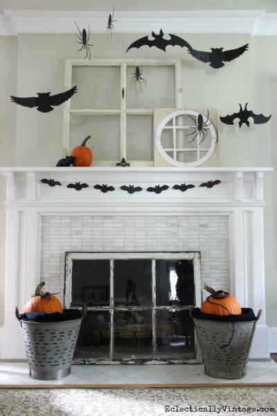 3-D Halloween Mantel eclecticallyvintage.com