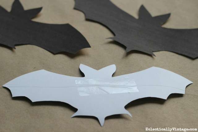 Make a DIY bat banner with these free printables kellyelko.com