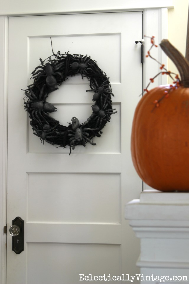 DIY spider wreath - such a great idea! kellyelko.com