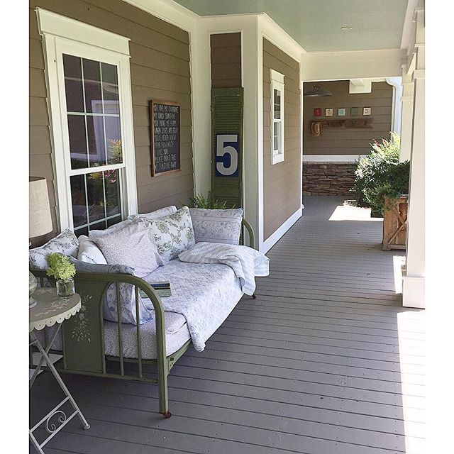 Farmhouse porch - love the daybed kellyelko.com