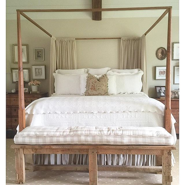 Cozy four poster bed eclecticallyvintage.com