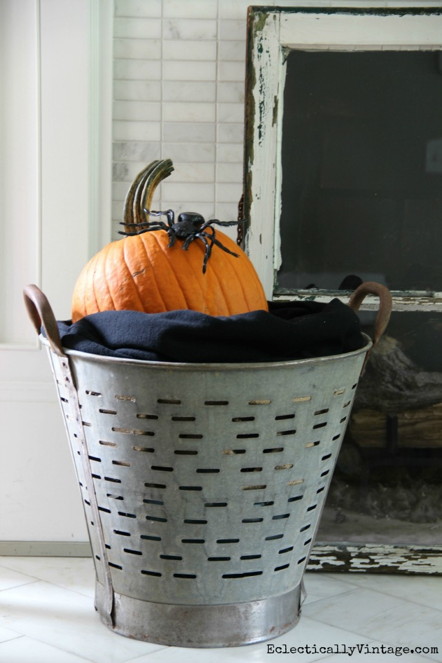 It's simple to add touches of Halloween around the house kellyelko.com
