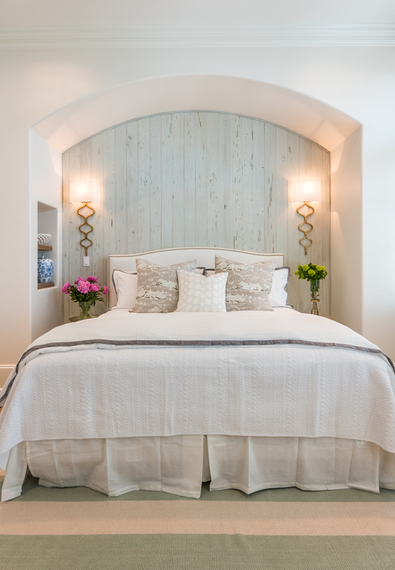 Love this little cut out nook for the bed - part of this coastal home tour kellyelko.com