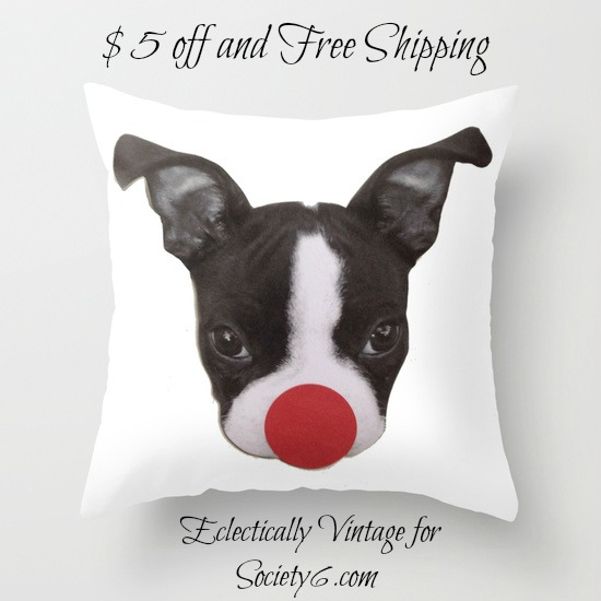 How cute is this Boston Terrier Rudolph pillow! kellyelko.com