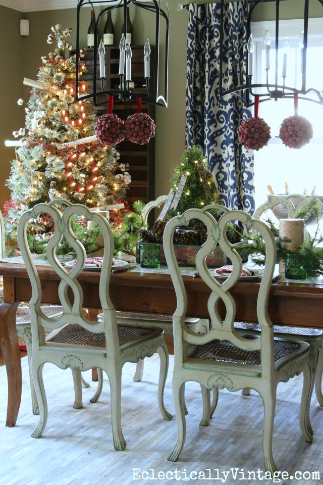 christmas-dining-room-tree-tablescape-2