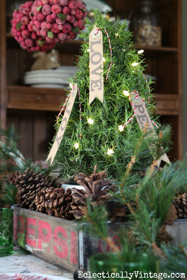 Vintage soda crate is the perfect tray for a festive Christmas tree centerpiece kellyelko.com