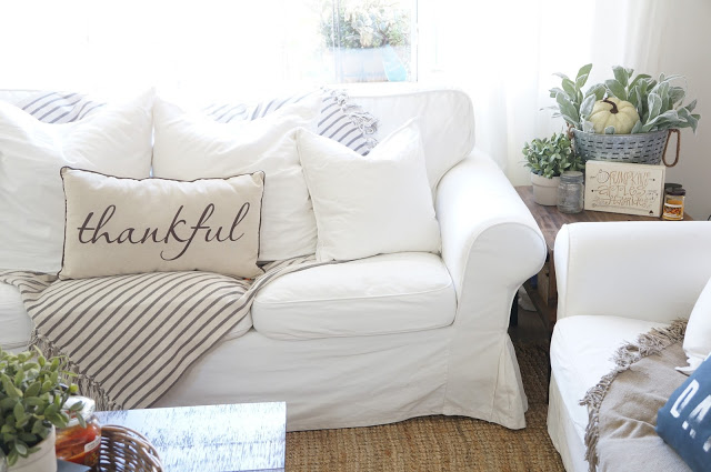 White slipcovered sofas are so cozy kellyelko.com
