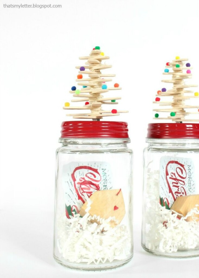 Christmas gifts in a jar - love the little trees on top kellyelko.com