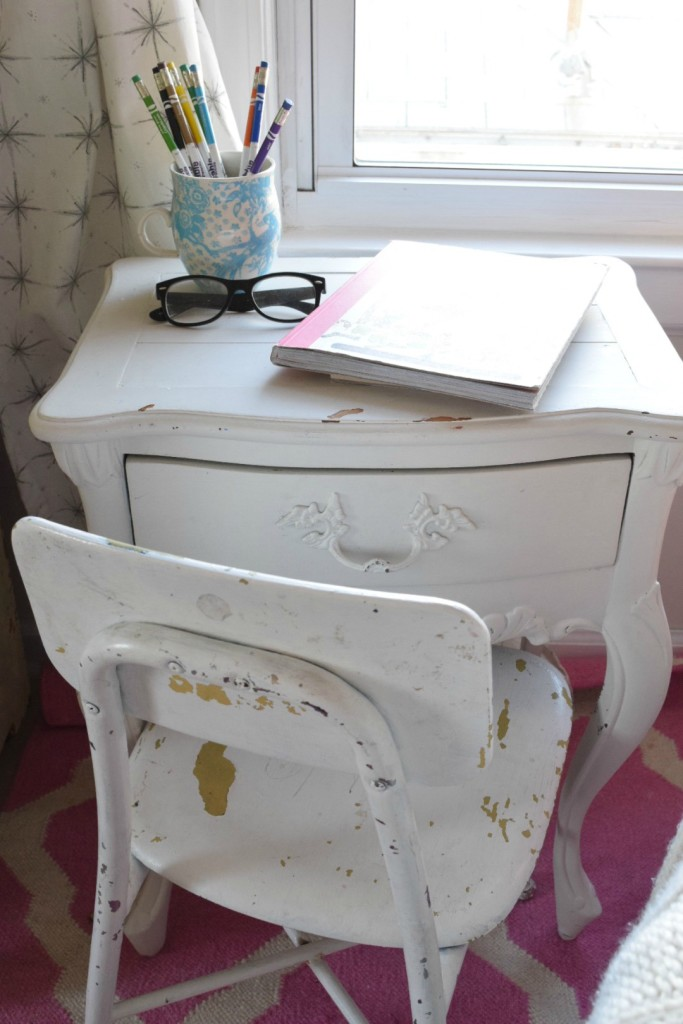 Vintage kids desk and chair kellyelko.com