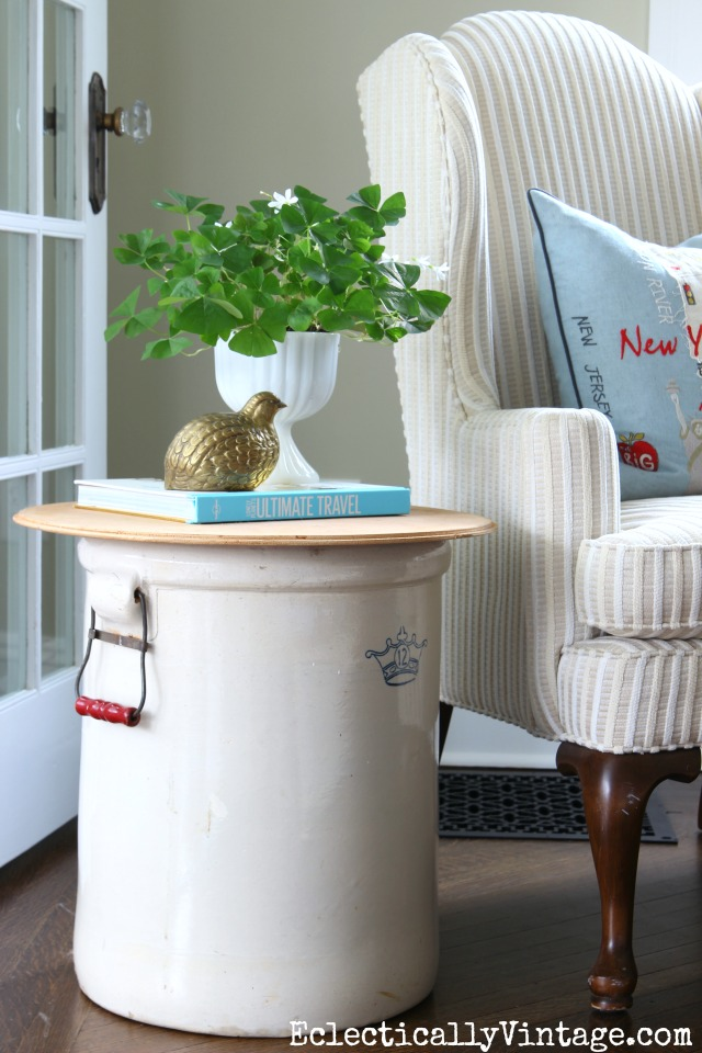 Crown Crock 12 Gallon Table - fun way to repurpose and old find kellyelko.com