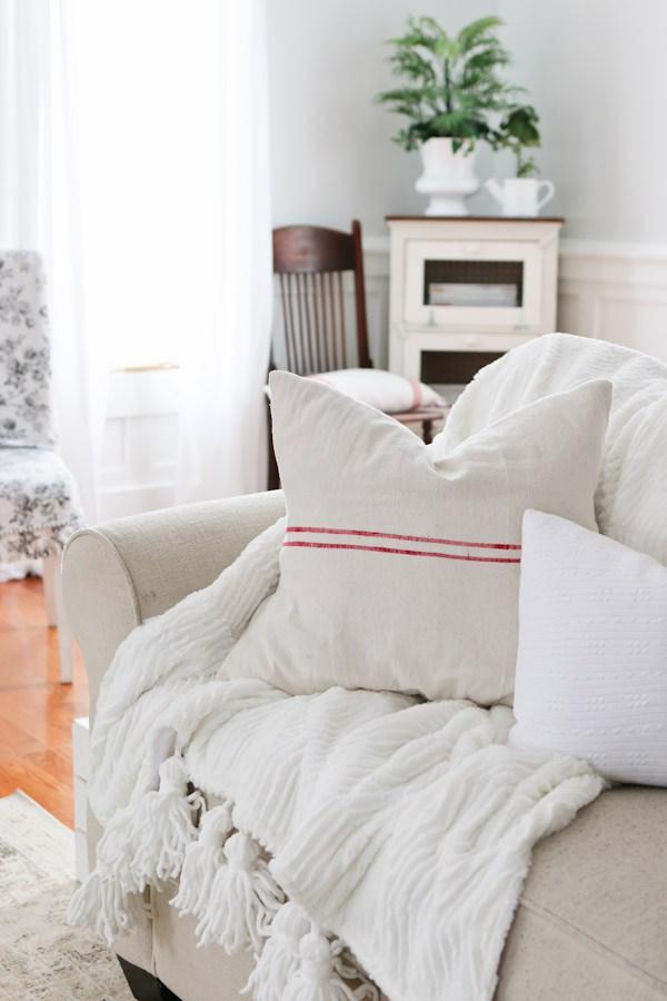 Cozy throw and pillows kellyelko.com