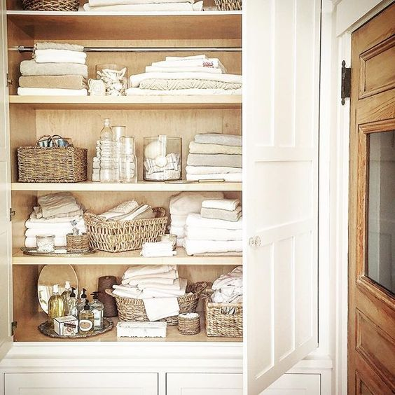 Linen closet organization kellyelko.com