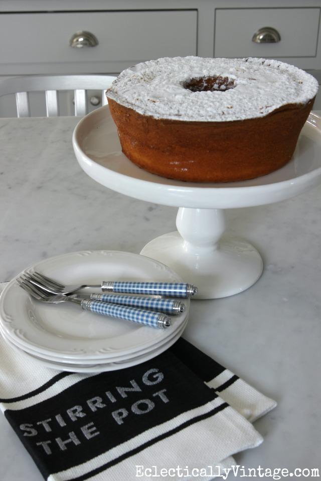 White cake stand kellyelko.com