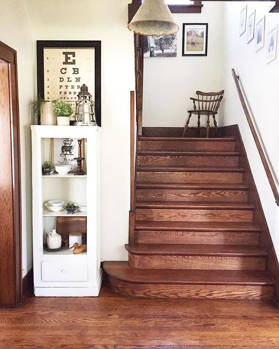 Antique home tour - love the original oak staircase and floors kellyelko.com
