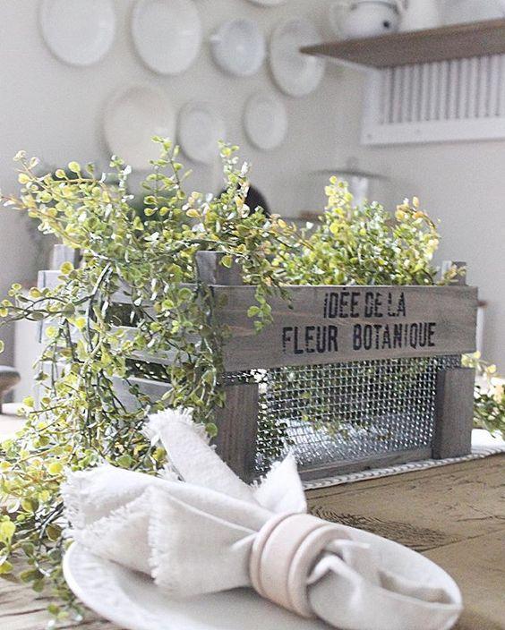 Vintage crate centerpiece kellyelko.com