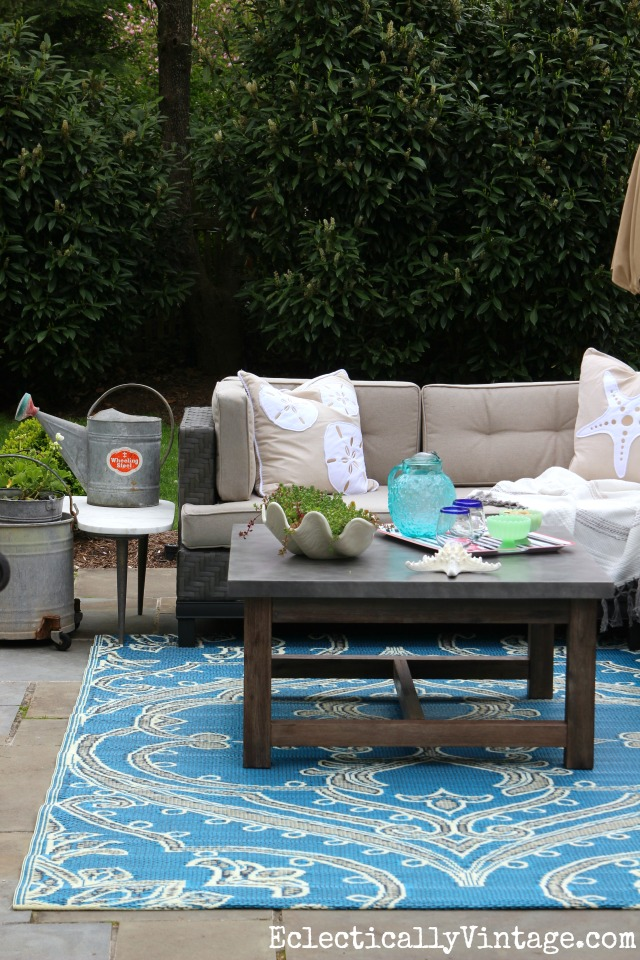 Add An Outdoor Rug To Add A Fun Pop Of Color To The Patio Kellyelko.