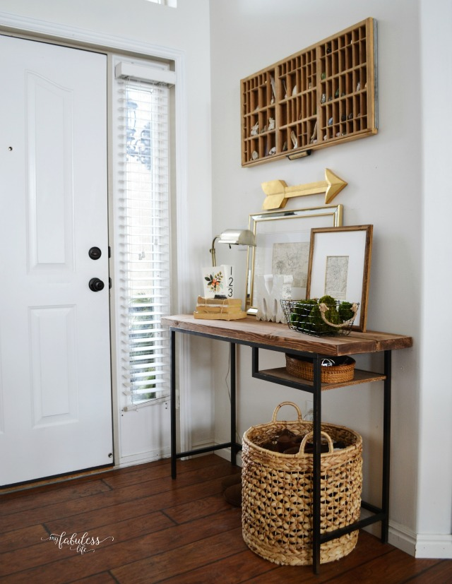 She turned a modern Ikea desk into this rustic farmhouse table! kellyelko.com