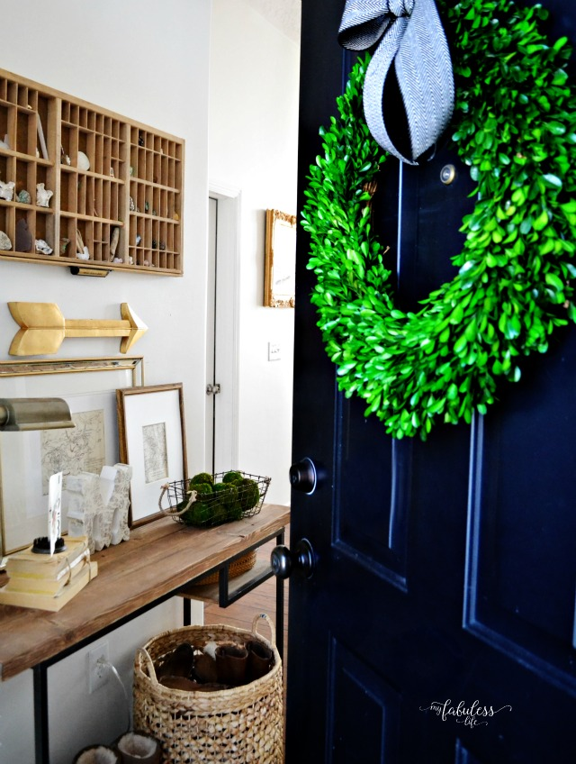 Love the black front door and the light and bright foyer eclecticallyvintage.coim