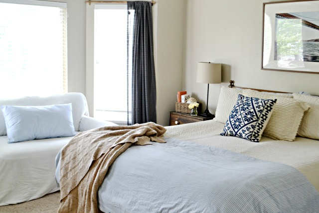 Neutral bedroom with a hint of blue kellyelko.com
