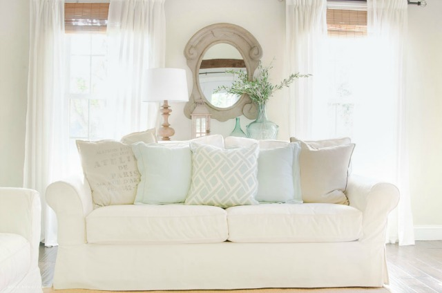 Love this cozy white sofa kellyelko.com
