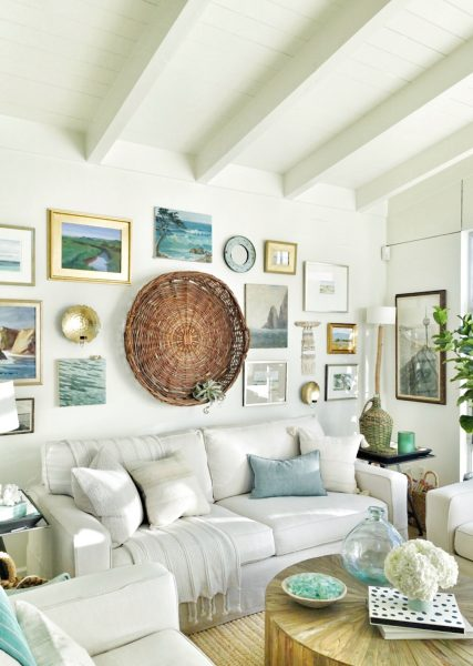 love this eclectic gallery wall with vintage paintings kellyelko.com