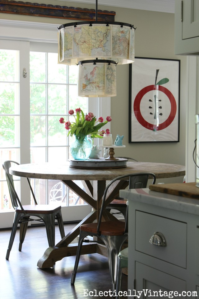 Love the rustic farmhouse dining table and chairs kellyelko.com