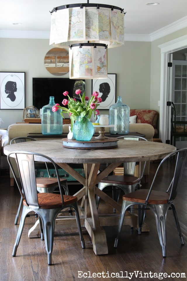 Love this round dining table and chairs - beautiful farmhouse decor kellyelko.com