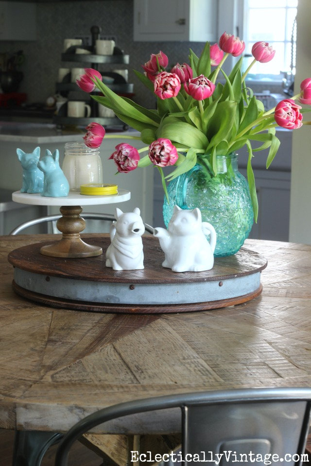 Love this beautiful centerpiece of tulips in a vintage pitcher kellyelko.com