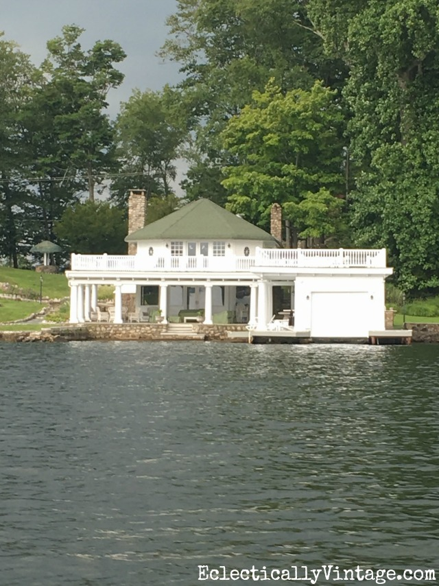 Lake living - love this charming lake house with attached boat house kellyelko.com