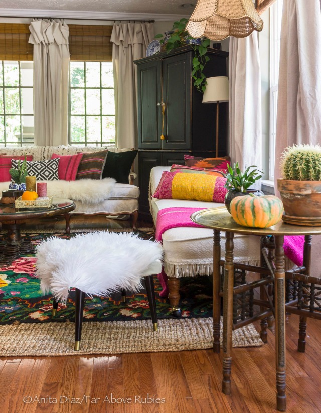 Colorful boho living room for fall kellyelko.com
