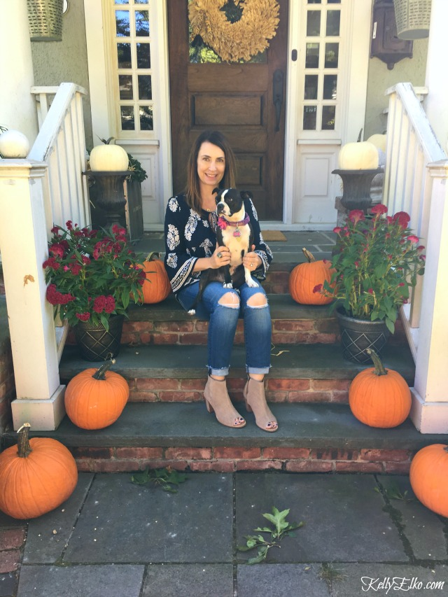 fall-front-porch-kelly-elko-pumpkins
