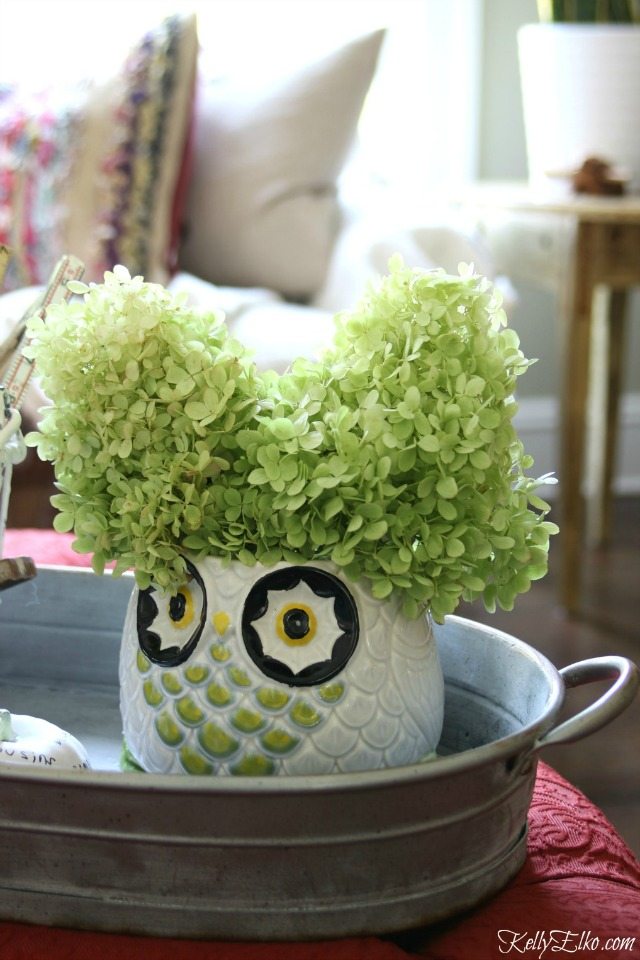 Owl vase with hydrangea hair! kellyelko.com