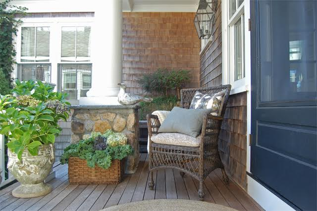 Front porch with hydrangea and kale planter kellyelko.com